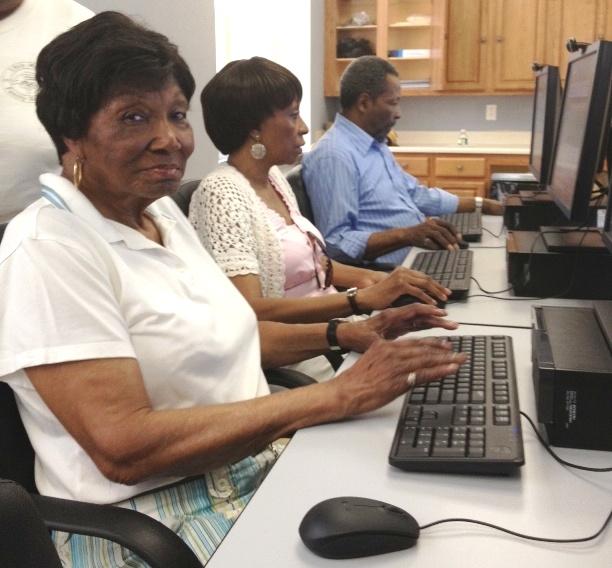 高齢者向けコンピュータ教室